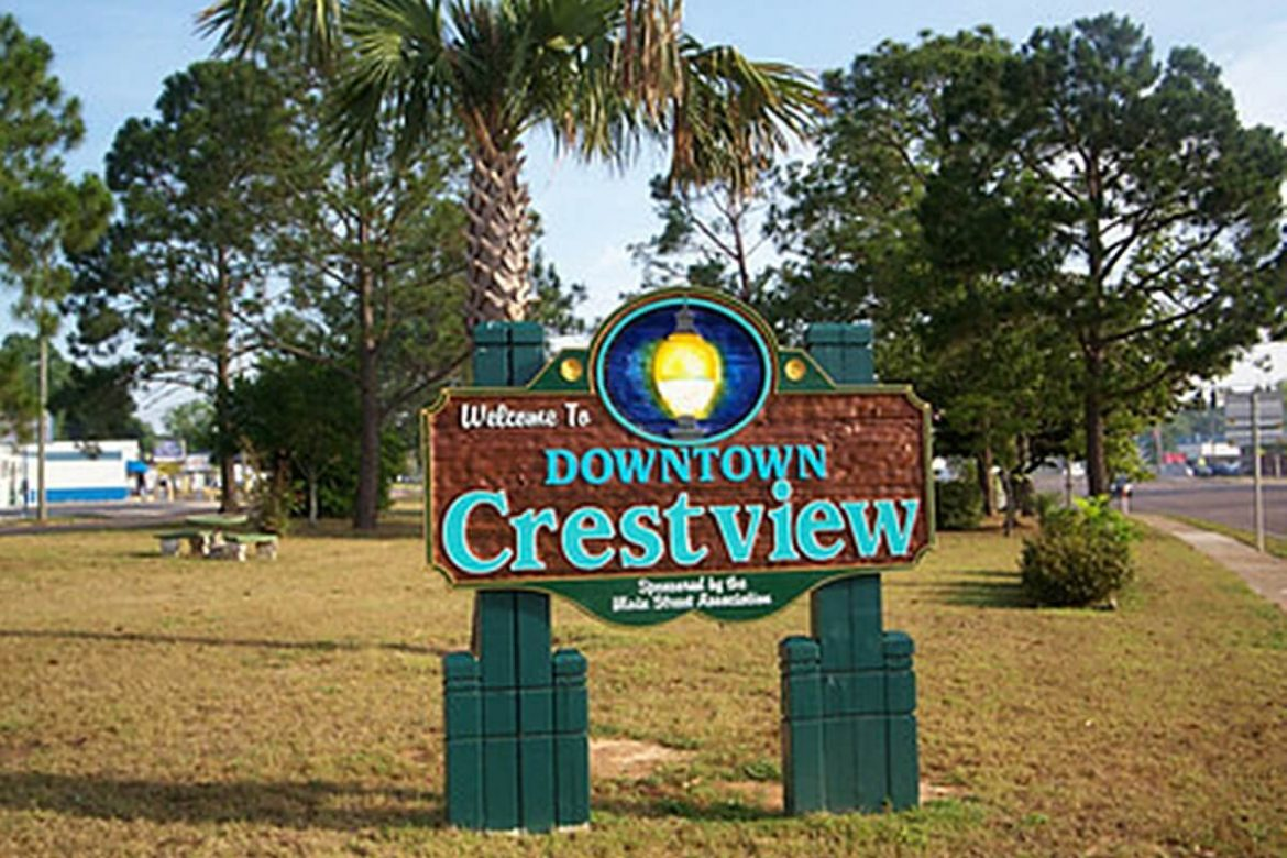 Downtown Crestview Welcome Sign image.