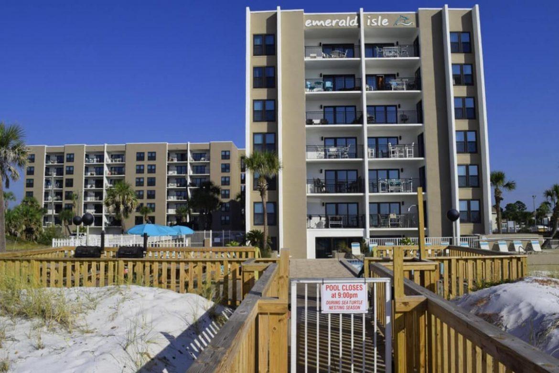 Emerald Isle Condominium image.
